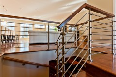 03-Stainless_Steel_Banister
